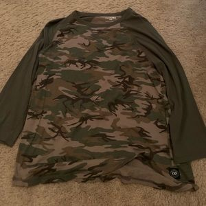 green camo express mid sleeve shirt